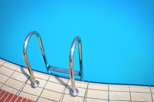 Repair or Replace - Swimming Pool Tiles